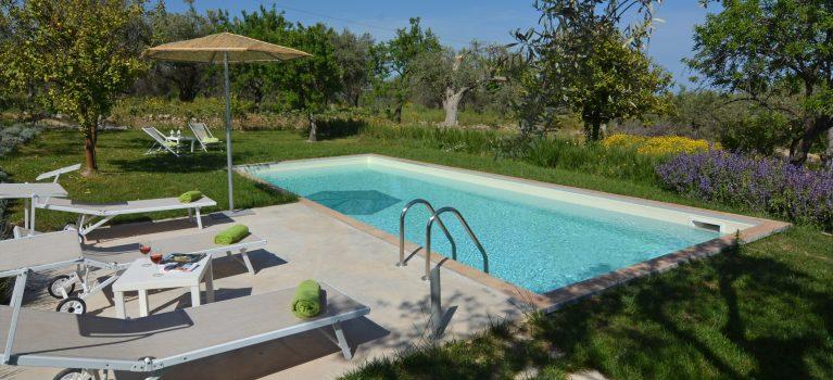 villa mandorlo piscina pool