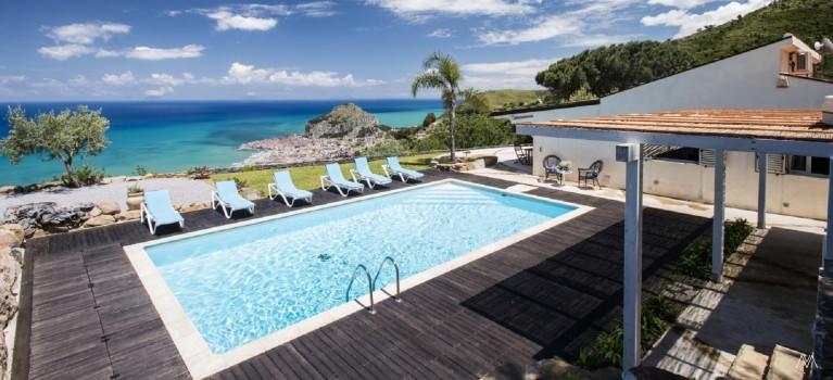 villa pool cefalu