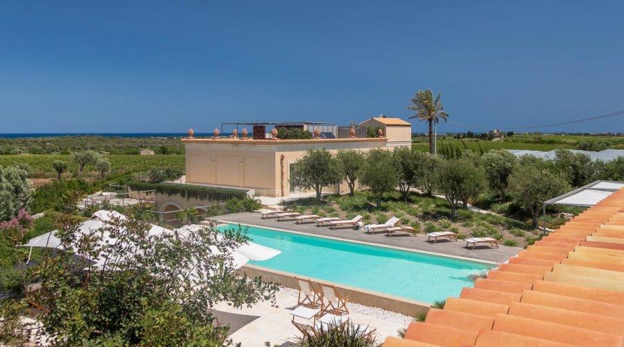 villa secret garden 20